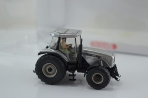 Wiking Massey Fergusson MF8280 Tractor